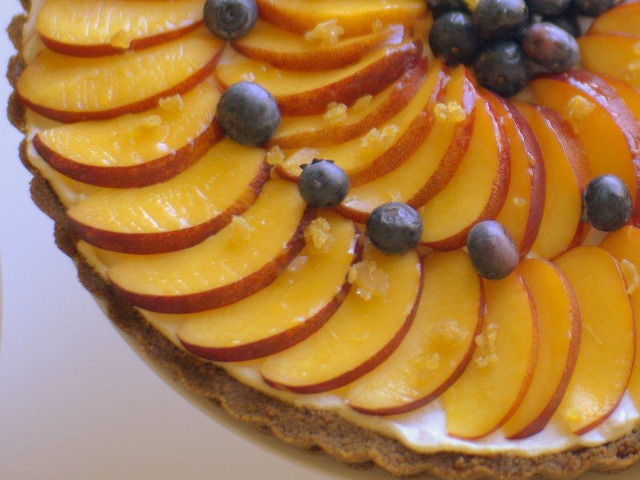 nectarine and mascarpone tart with gingersnap crust