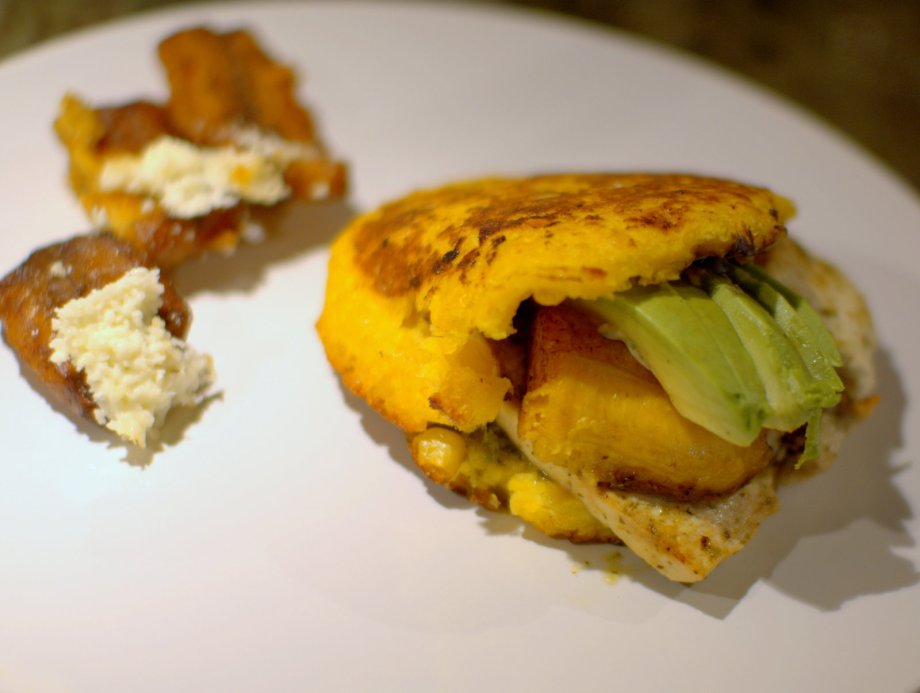 tofu arepa and plantains, pica pica