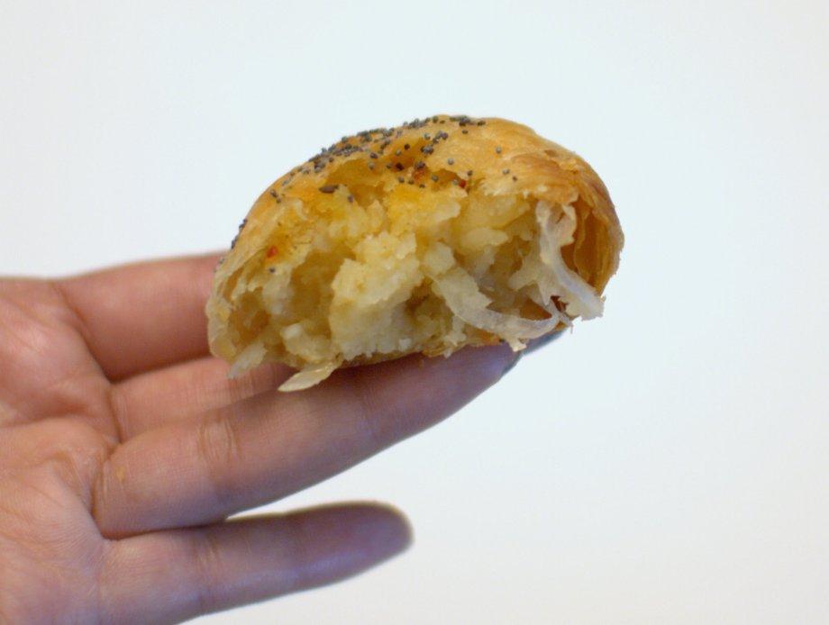 potato knish, 20th century cafe